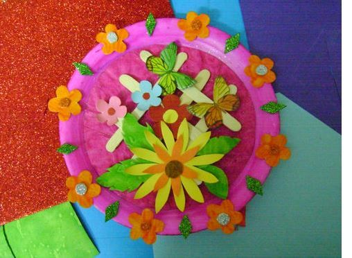 Best out of waste a beautiful wall piece using a paper for Waste paper craft