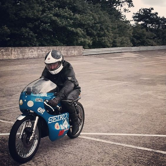 Ruby Castel classic on a historic Bike and track !