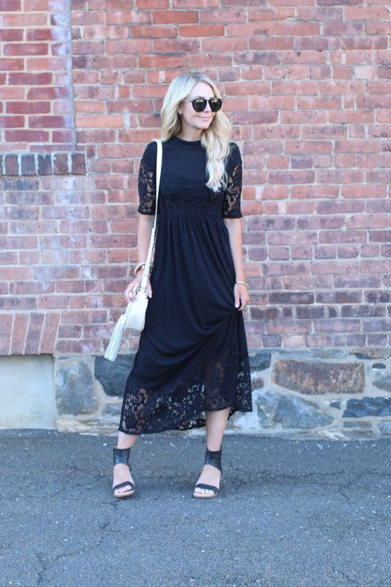 This black midi tee shirt dress is so great. love the lace edging. Perfect for every occasion.