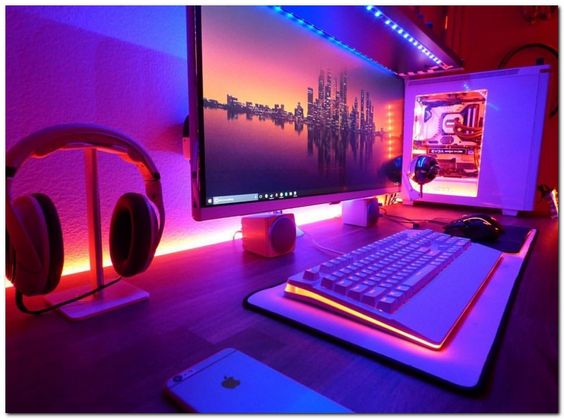Computer gaming room  21 Interesting Game Room Ideas | Teen game rooms, Teen games and ...