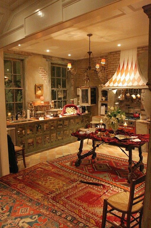 New Orleans Villa Rental Race House 1st Floor Kitchen