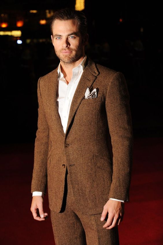 Chris Pine est l'incarnation même du luxe décontracté en Ralph Lauren Purple Label à la première du film The Ryan Initiative à Londres