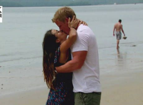 Catherine Giudici and Sean Lowe Kiss on The Beach in Thailand in The Bachelor Season 17
