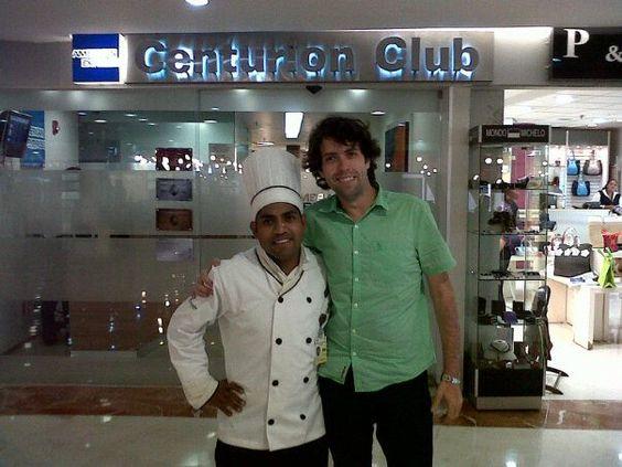 Con Chef Ejecutivo Isra Leon, de Salón Centurión American Express, Guadalajara, muchas gracias por todas las atenciones recibidas!!! 14/08/12!!! Buena vibra!!!
