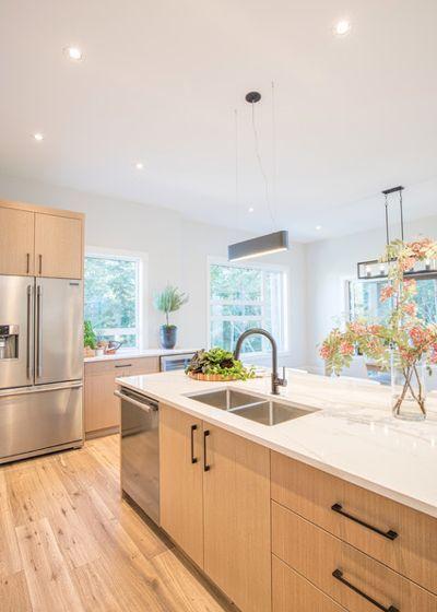 Beautiful Flat Panel White Oak Kitchen, Natural Wood Kitchen Cabinets With White Countertops