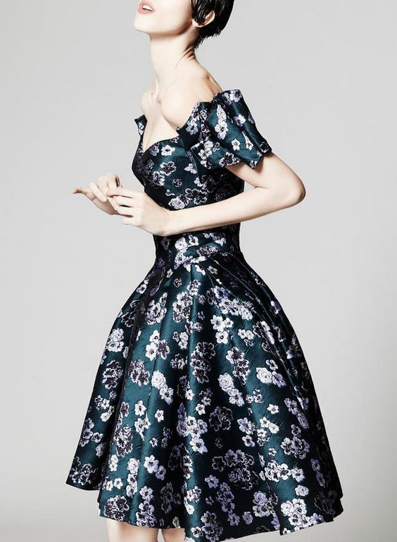Zac Posen Resort 2014 // Flirty navy blue