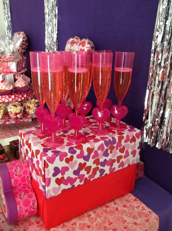 Pink And Purple Valentine's Day Party Ideas.♥..¸¸.•♥•