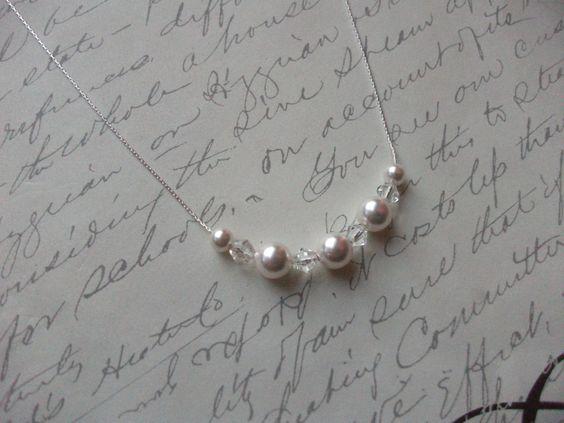 Delicate sterling silver pearls and crystals necklace de la boutique BijouxdeBrigitte sur Etsy