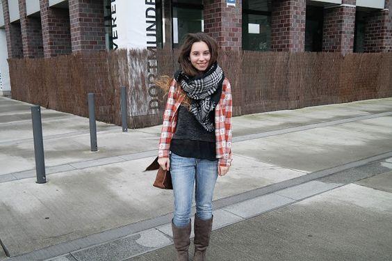 Hallo ihr Lieben!   Vor kurzem traf ich mich mal wieder mit Hanna um Fotos zu machen. Bei mir war total das Schneechaos und bei Hanna in ...