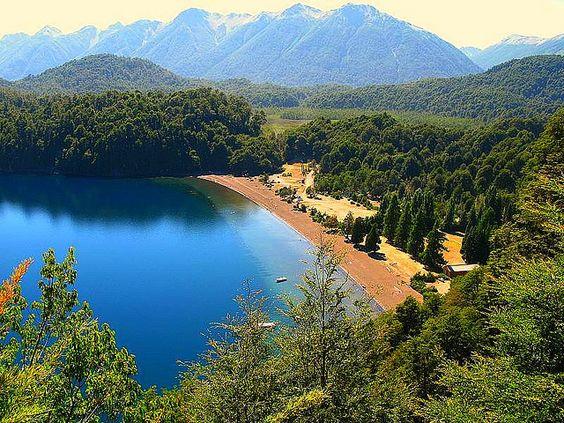 Lago Espejo, Patagonia, Argentina