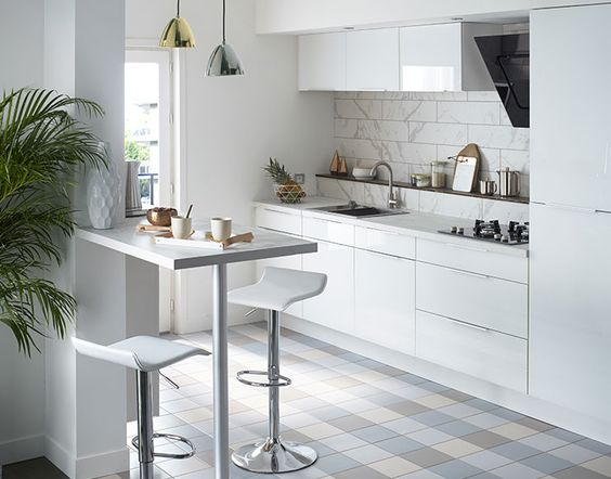 Castorama : Cuisine Artic Blanche. Une cuisine épurée et moderne