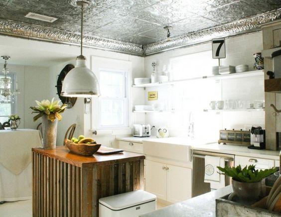 Metall Decken Paneeele Küche Landhausstil Holzinsel Holzpaletten - küche im landhausstil