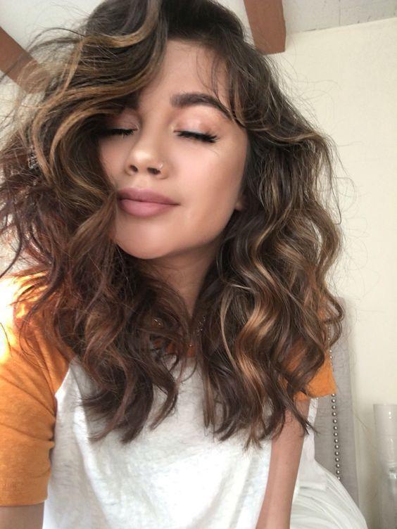 21 Cute Hairstyles For Medium Curly Hair In 2019 Medium Length Hair Styles Medium Curly Hair Styles Curly Hair Styles