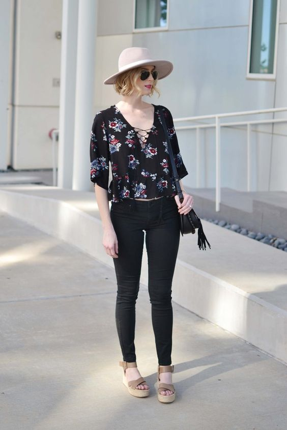 This floral lace up peplum top paired with great accessories makes for the perfect weekend casual look.