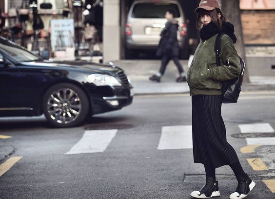 """#street #streetstyle #streetfashion #women #womenswear #instafashion #ootd #outfit #model #beauty #seoul #스트릿패션 #데일리룩 #데일리 #패션 #ensorcelant"""