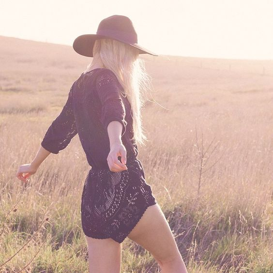 Field of dreams @lucillecroft in our Fleetwood Lace romper {link in bio} Dreamy pic by @sarahtee__ MUA @mtuckermua