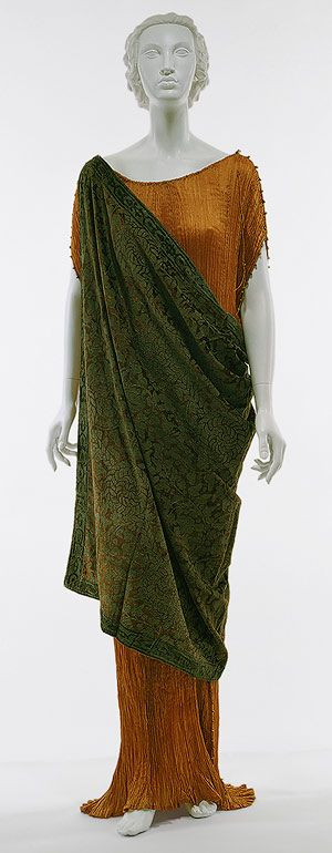 Dress, late 1920s–late 1940s  Mariano Fortuny (Italian, born Spain, 1871–1949)  Rust pleated silk, brown and gray silk velvet printed with metallic silve