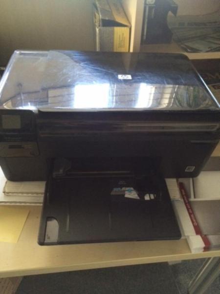 mehrere verschiedene Drucker 3 X TA , 1x HP alle defekt mit Zubehör an Bastler abzugeben. Preis für alle VB.Was da genau defekt ist wissen wir auch nicht, daher keine Garantie oder Gewährleistung.Drucker sind in Bielefeld in unserem Betrieb und müssten dann abgeholt werden. Für weitere Fragen einfach mailen.