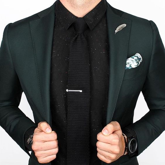 black suit dark green tie - photo #17