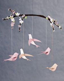 Prachtige mobile met vogeltjes geknutseld