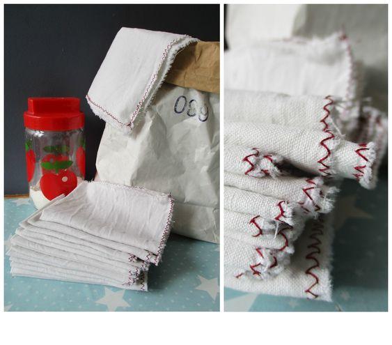 Recyclage de draps anciens en petites lingettes pour remplacer le sopalin