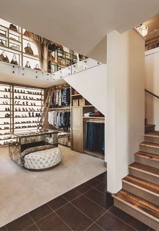 30 Walk-in Closets You Won\'t Mind Living In   Fresh flowers ...