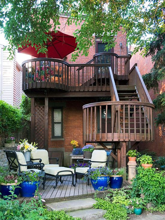 Great deck for a urban setting~~~~'Brownstone'?