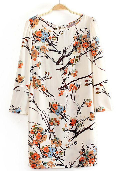 es muy bonita la blusa, pero no se si es pegada o no, sí alguien la tiene me lo comenta? please!!! graciass