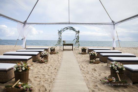 Casamento na Praia | Bárbara + Hugo | Vestida de Noiva | Blog de Casamento por Fernanda Floret http://vestidadenoiva.com/casamento-na-praia-barbara-hugo/:
