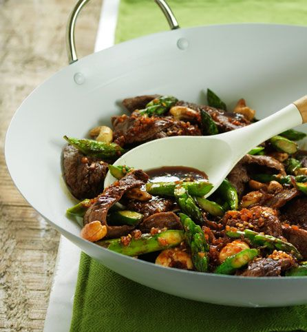 Garlic Beef Asparagus Stir Fry. Because beef and broccoli is so last ...