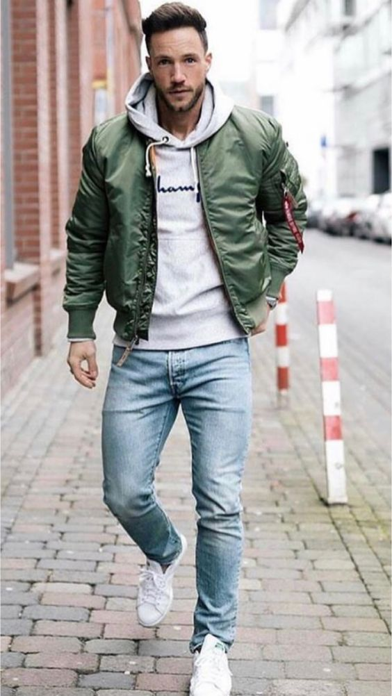 Bomberjacket Bomberverde Jeans Tenisblancos Lookdeprimavera Ropa Casual Hombres Estilo De Ropa Hombre Ropa De Hombre Casual Elegante