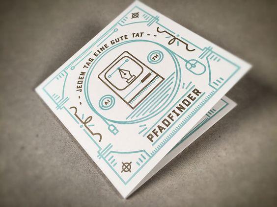 Aufnäher und kleines Booklet im Prägedruck. Design Erste Liga Patch Designgrill Booklet Letterjazz