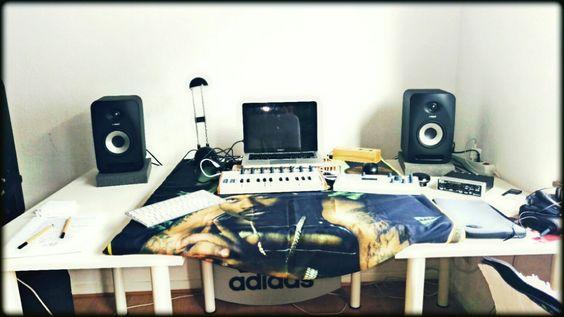#Homestudio -» #macbookPRO, #tannoy reveal 502, #arturia #sparkLE, #steinberg #ur22, arturia analog lab, #logicproX,