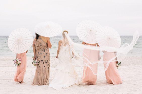 southern-wedding-parasols