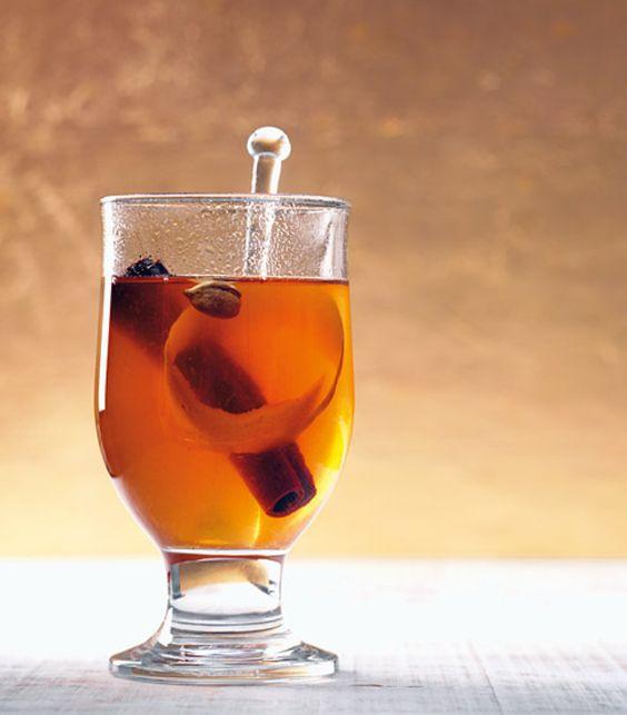 Rezept für Trauben-Zimt-Punsch bei Essen und Trinken. Ein Rezept für 4 Personen. Und weitere Rezepte in den Kategorien Gewürze, Getränke, Einfach, Fettarm, Raffiniert, Schnell.