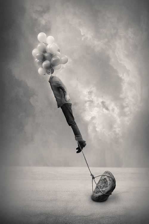 Cabeça nas nuvens e pés no chão | Head in the clouds and feet on the ground #Surrealismo #Surrealism #Surreal:
