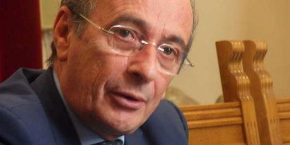 Messina, le mogli dell'ex sindaco Buzzanca e del deputato PD Genovese arrestate per truffa sui centri di formazione - http://www.lavika.it/2013/07/messina-mogli-ex-sindaco-buzzanca-pd-genovese-arrestate-per-truffa-centri-di-formazione/
