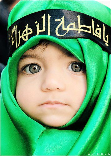 Little Arab boy with those eyes!: