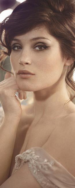 Gemma Christina Arterton është aktore Angleze. Ajo ka debutuar tek rolet e saj në filmat: St Trinian's, Quantum of Solace, Clash of the Titans dhe Prince of Persia...