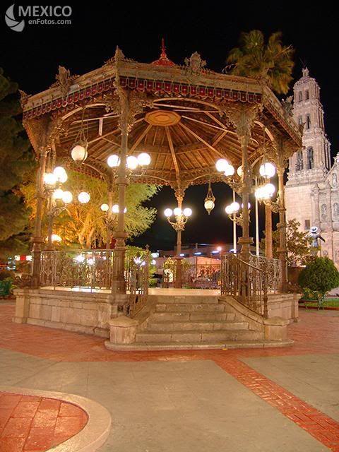 Kioscos de mexico chihuahua chih kiosco de la plaza de for Fotos de kioscos de madera