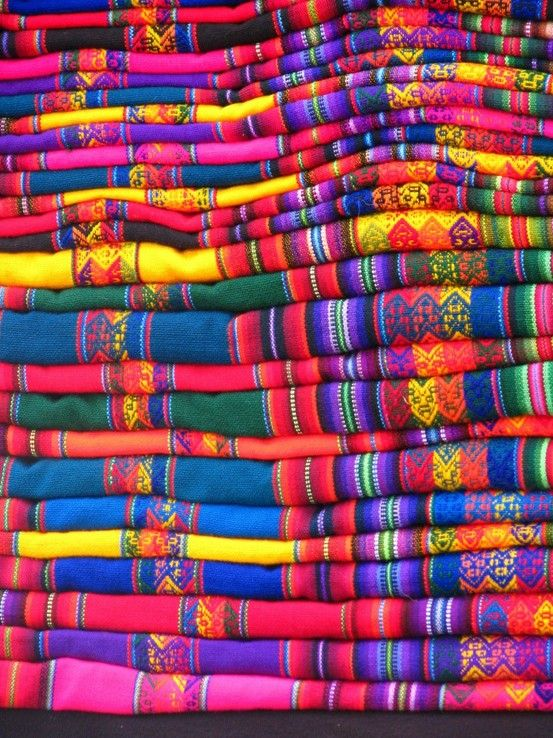 Travel Tuesday: 20 Colorful Markets - Pink Chocolate Break