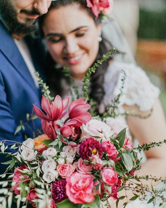 Para celebrar a primavera que chega...🏵 . Nosso doce casal: #priemauronoveredas . #REPOST @carolinaazevedophotography ♥