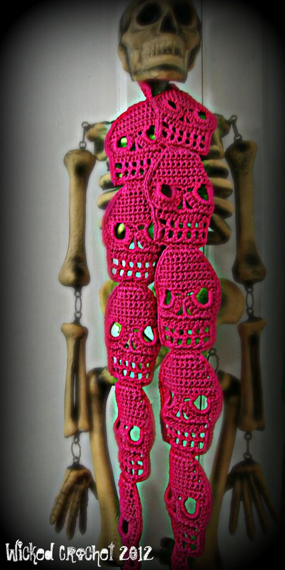 Crochet Skull Scarf! omg! I will learn to crochet if only to make this!!