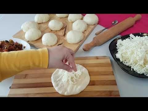 قناة ليلى جواد فطائر البيتزا بعجينة خرااااافية مع طريقة تشكيل مميزة و سهلة Youtube Recipes Sweets Recipes Food
