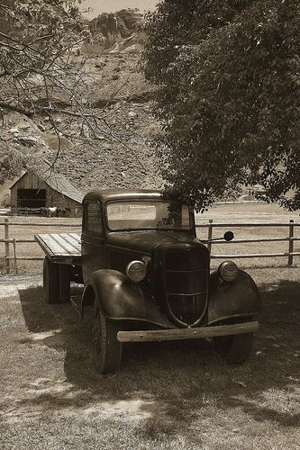 capitol reef camion ford follow. Black Bedroom Furniture Sets. Home Design Ideas