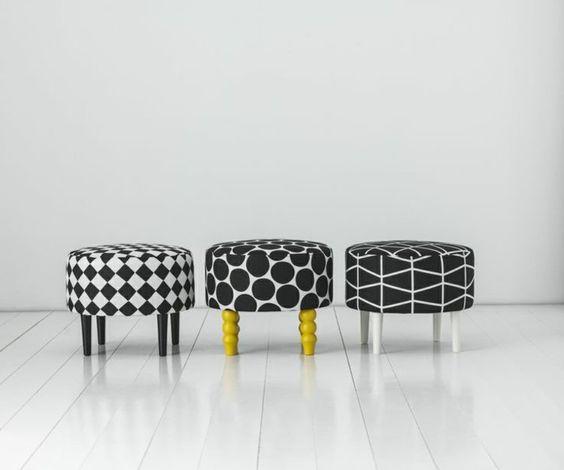 meubles Ikea à personnaliser, tabourets bas recouverts de tissu en noir et blanc…