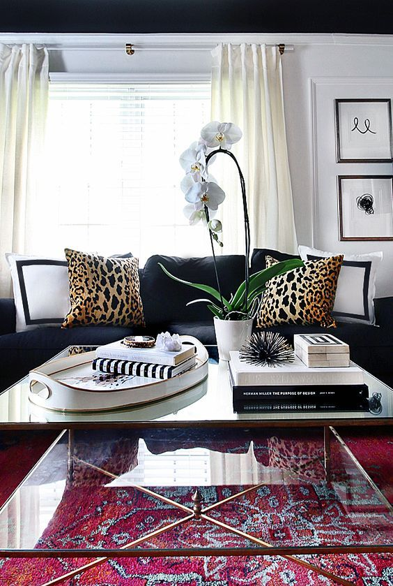 Leopard Is A Neutral Living Room Stying Decoraci N