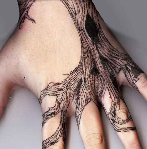 .for some reason, old tree tattoos speak to me. It just makes me thing of everything trees have seen in their lives, their wisdom. Maybe I read the giving tree a 100 times too many when I was younger.