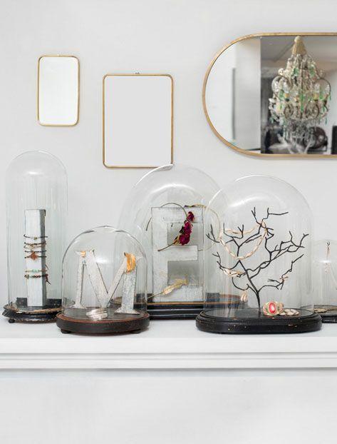 cloche en verre bijoux display and jewellery. Black Bedroom Furniture Sets. Home Design Ideas