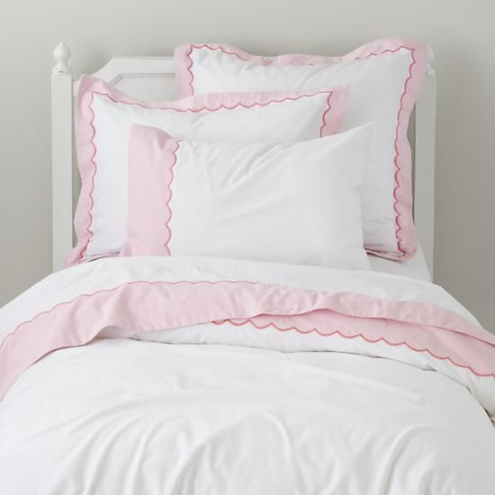 the land of nod girls bedding pink scalloped bedding set in duvet covers sweet peas. Black Bedroom Furniture Sets. Home Design Ideas